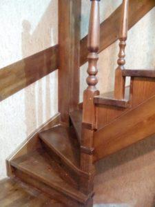 Поворотная лестница